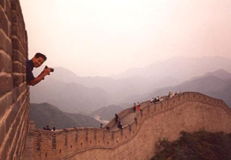 Chris Soentpiet on loacation in China courtesy www.soentpiet.com
